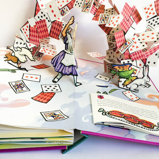 Arlo's Book Club Magical Wonderment: Alice in Wonderland Pop-Up Book 2