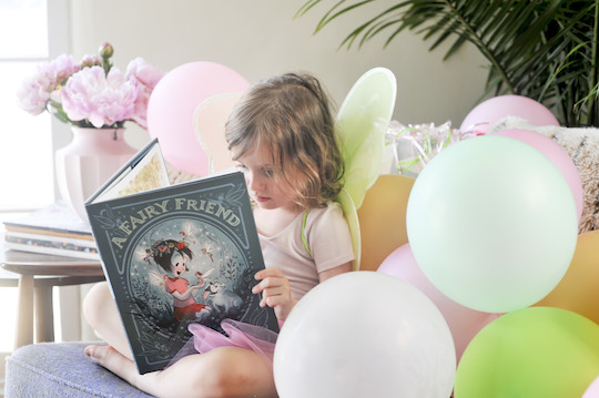 Arlo's Book Club Magical Wonderment Book Balloons